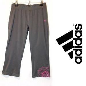Adidas cropped yoga leggings size M